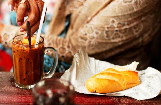 Ăn sáng Lào