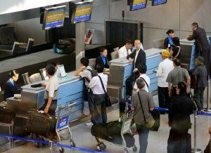 Làm thủ tục tại sân bay bạn cần những loại giấy tờ gì?