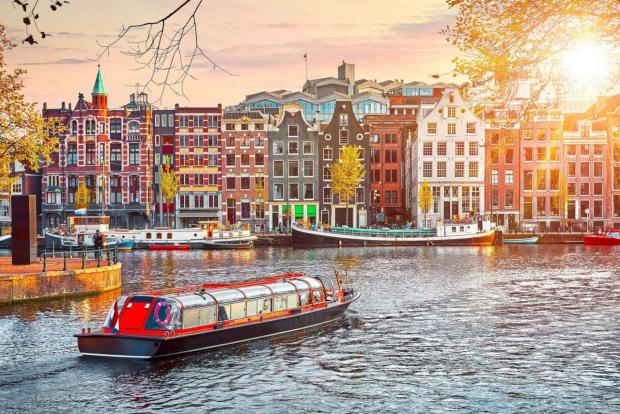 Vé máy bay đi Hà Lan giá rẻ, thông tin chuyến bay 2021